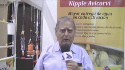 Bebedero de Nipple: Edgar Orozco Osorio (Avicorvi)