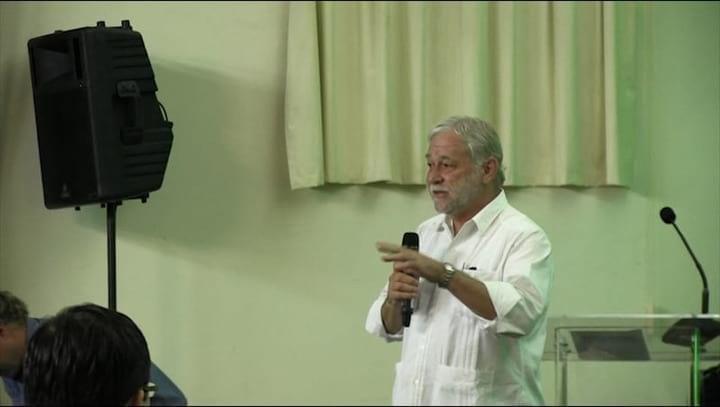 Calcio y F�sforo en Cerdos: Dr. Jos� Cuar�n en CLANA 2014