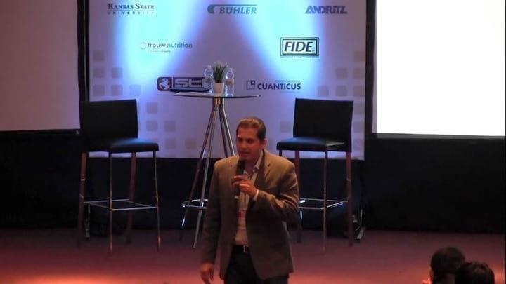 Felipe Medrano -Presentaci�n y Bienvenida al IV Taller Internacional sobre Tecnolog�a