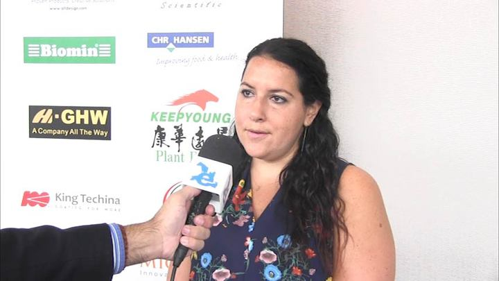 Novus technical team offers personalized service to producers - Tamara Loeffler