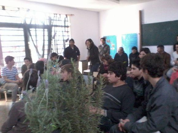 Charlas y asesoramiento a escuelas rurales y urbanas - Actividades en la zona del VBRC, Pcia.Buenos Aires