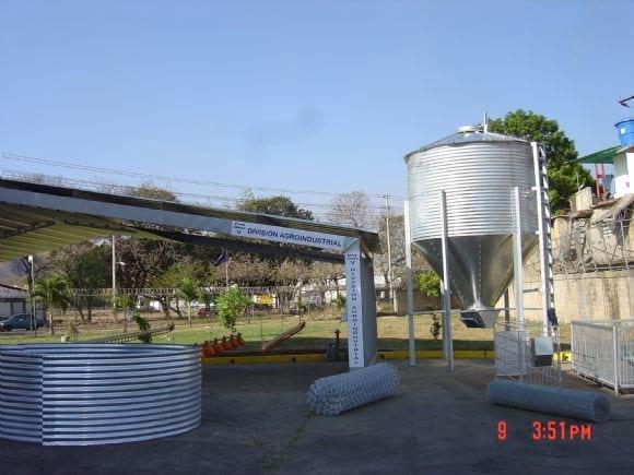 Módulo avícola con silo ganjero de 10Ton. - Galpones avícolas