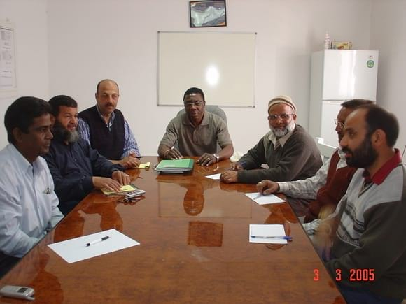 BROILER SITE MANAGER CHAIRING PRODUCTION MEETING - AL-WATANIA POULTRY SAUDI ARABIA