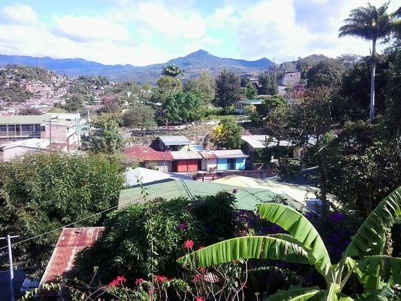 Vista del Cerro San Salvador 1228msnm desde las oficinas de CISA AMERCON, Matagalpa. - Varias
