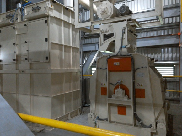 Hammer mill's aspiration filter - Grinding article