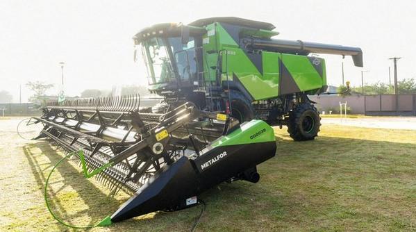 Argentina - Presentaron nueva cosechadora de producción nacional - Image 2